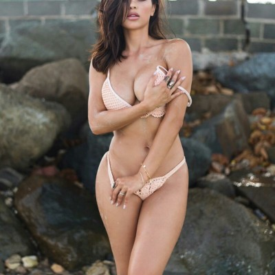 Ana Cheri getting naked