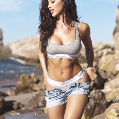 Ana Cheri stripping